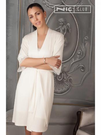 Халат Nic Club Immagini 1602Халат кимоно Nic Club Immagini 1602. Изысканный и нежный халатик из приятной на ощупь гладкой вискозы. Халат-кимоно средней длины, на запах, с поясом. Рукава длины три четверти украшены кружевом.<br>