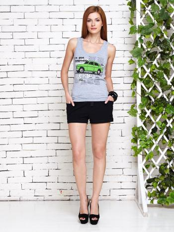 Комплект Lylla 1489-35Комплект майка + шорты Lylla 1489-35. Комплект выдержан в актуальной тенденции Boyfriend style. Майка с полукруглым вырезом и принтом в виде автомобиля на передней части. Шорты на широкой резиночке и с бантиком спереди, по бокам два удобных кармашка. В моделях с цветами розовый/черный и салатовый/черный майка серого цвета, отличие в цветах машинок см. фото.<br>